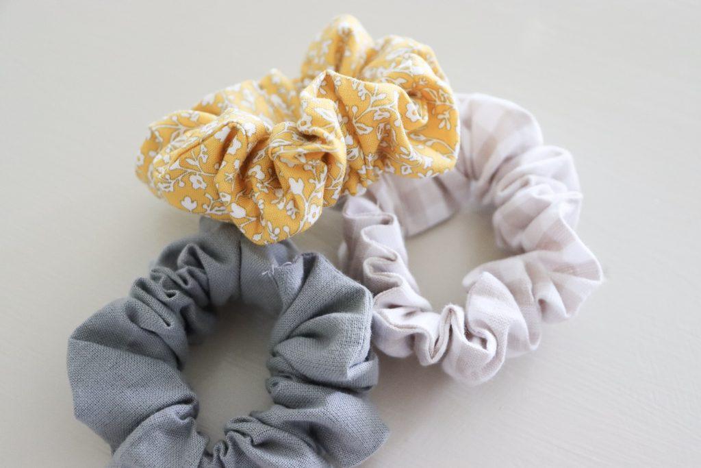 How to make a hair scrunchie